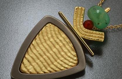 pendente titanio e oro puro